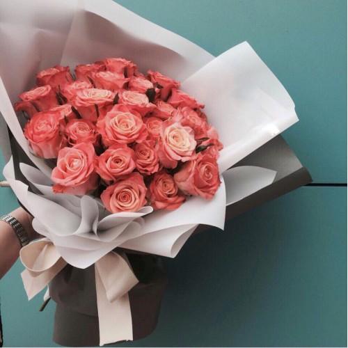 Купить на заказ Заказать Букет из 31 коралловой розы с доставкой по Таразу  с доставкой в Таразе