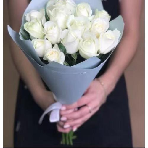 Купить на заказ Заказать 15 белых роз с доставкой по Таразу  с доставкой в Таразе
