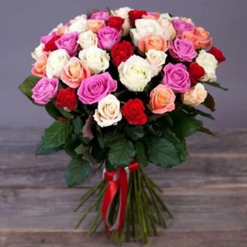 Купить на заказ Заказать Букет из 31 розы (микс) с доставкой по Таразу  с доставкой в Таразе